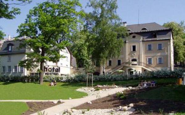 Jen 1999 Kč místo 4330 Kč za tři dny a dvě noci PRO DVA v malebném Hotelu Rehavital***! Snídaně do postele, sauna, překvapení na pokoji a další pozornosti v ceně. Odjeďte relaxovat do města na úpatí Jizerských hor!