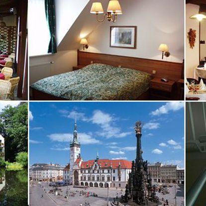 Dopřejte si romantický pobyt pro 2 osoby na 2 dny v krásném prostředí jižní Moravy, nedaleko od Moravského krasu. V hotelu Moravia na Vás také čeká slavnostní 3 chodová večeře servírovaná až na pokoj. Nechte se hýčkat se slevou 45% jen za 2090 Kč.