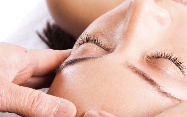 Sleva dnes 50% na celkové kosmetické ošetření pleti - základní čištění, hlubší čištění, tonizace, peeling, úprava obočí a odstraňování chloupků na obličeji, masáž obličeje, maska a krém pouze za 275 kč - sleva 50.0%