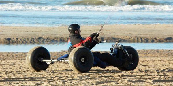 Intenzivní landkiting kurz od Kitesportu na dva dny. 16 hodin adrenalinu, buggy a mountainboard. Lze využít několik kitecenter po celé ČR. Platnost až do konce roku 2011!
