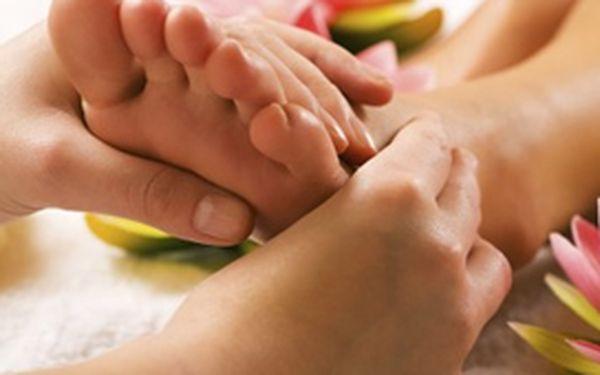 Potřebujete se uvolnit a zbavit stresu a napětí? Nechte se hýčkat a dopřejte si uvolňující reflexní masáž plošek chodidel v délce 40 minut se slevou 50 %!