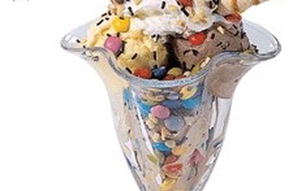 Zmrzlinový pohár + dětský nápoj Toma jen za 39 Kč v lázeňské čtvrti Šanov v TEPLICÍCH.