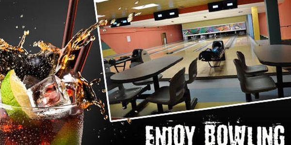 Jednu hodinu bowlingu a koktejl Cuba Libre si nyní užijete jen za 149 Kč. Shazujte kuželky a bavte se s 52% slevou!