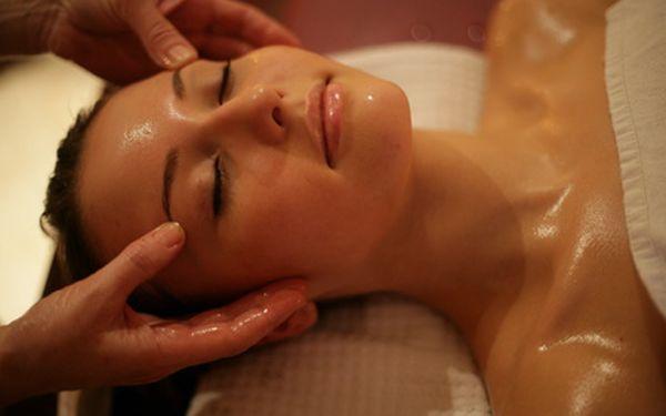 300 Kč za antistresovou indickou masáž hlavy, obličeje a šíje s 57% slevou