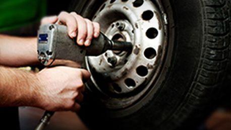 Skvělých 249 Kč za kompletní přezutí a vyvážení pneumatik na Vašem voze. Nechte si připravit svého mazlíčka na léto aniž by jste si ušpinili ruce! Sleva 75%!