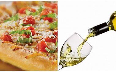 Skvělá nabídka pro milovníky pizzy! Za pouhých 153 Kč získejte 2x PIZZU dle vlastního výběru z jídelníčku a k tomu si dejte 0,7 l VÍNA z nápojového lístku dle nabídky. Zajděte si ve dvou na super pizzu do příjemné restaurace Karolína v Klimkovicích!