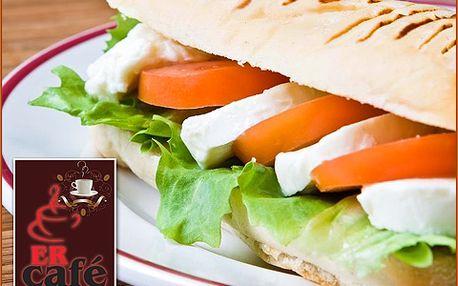 2x lahodné máslové panini a přírodní domácí limonáda z čerstvého ovoce
