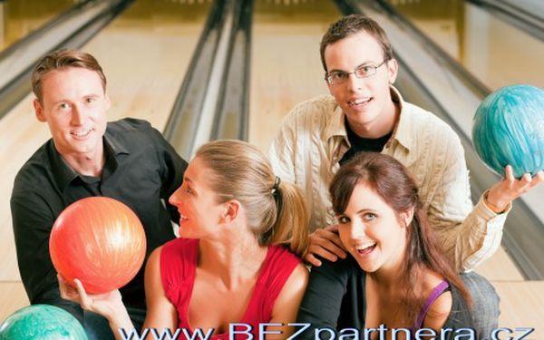 Nikdo není rád sám! Zkuste bowlingové seznamovací akce pro nezadané muže a ženy! Získejte speciální balíček pro nezadané!