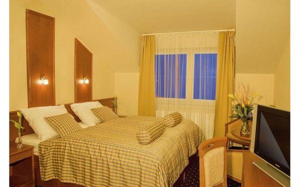 Jen 2590,- místo 6390,- za velikonoční romantický pobyt pro dva na 3 dny v přepychovém hotelu v Plzni s řadou benefitů a bonusů! Vyražte se svou polovičkou objevit krásy tohoto západočeského města pyšnící se mnoha významnými památkami.