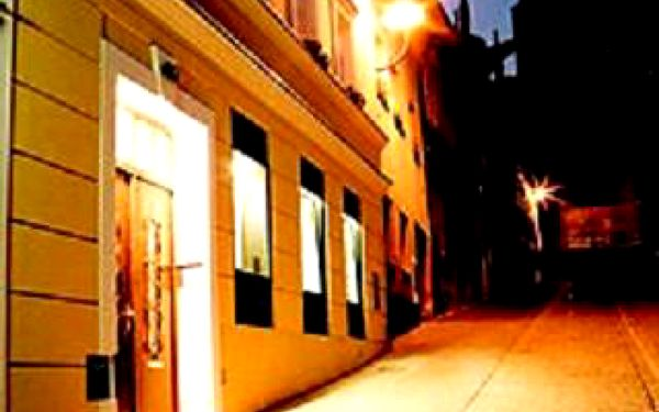 KOLÍN - Pobyt pro 2 osoby na 2 noci se snídaní v historické části Kolína pod chrámem sv. Bartoloměje za 2.200,- Kč.