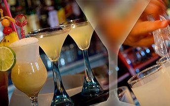 2 koktejly dle vlastního výběru se skvělou slevou 73 % jen za 75 Kč!! Navštivte příjemné prostředí baru Orca a ušetřete s námi 205 Kč!!