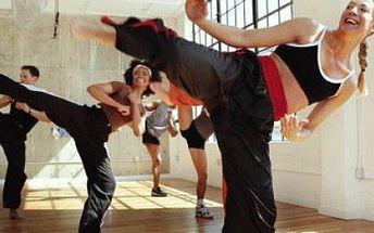 Kick Your Fat! Jen 999,- za DESET tréninků K.Y.F. pod vedením zkušeného instruktora! Potřebujete vybít stres, zlepšit kondici, zhubnout a vytvarovat postavu či zlepšit svou koordinaci? Pak je pro Vás nejlepší volbou právě tréninkový program K.Y.F.!