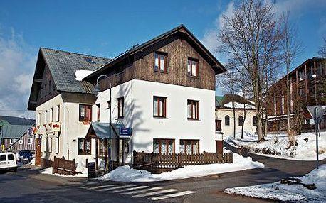 990 Kč místo 1650 Kč za čtyřdenní pobyt na horách v Harrachově. Tři noci s polopenzí a večeří o třech chodech ve tříhvězdičkovém hotelu s 40% slevou! Prožijte nezapomenutelné Velikonoce nebo letní prázdniny v hotelu Mitera*** v Harrachově!