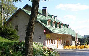 Jen 688 Kč namísto 1720 Kč za ubytování pro 1 osobu na 2 noci + 1 hod. sauny zdarma. Hotel nabizí 2, 3 a 5ti lužkové plně vybavené pokoje. Česká kuchyně, vynikající moravská vína a slivovice. Dopřejte si klid v západní části Krkonoš se skvělou slevou 60%!