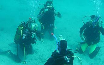 Kurz potápění na chorvatském ostrově Brač na české základně Manjana za polovic!