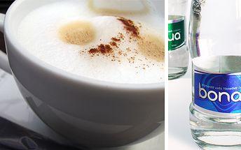 Vychutnejte si dva šálky kávy a dvě skleničky vody Bonaqua za pouhých 43 Kč v internetové kavárně!
