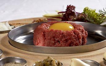 Milovníci tataráku POZOR! Za úžasnou cenu 98 Kč získejte 200g tatarského bifteku s pěti topinkami! Vše získáte v restaurace Varna v Mariánských horách a to s 51% SLEVOU!!