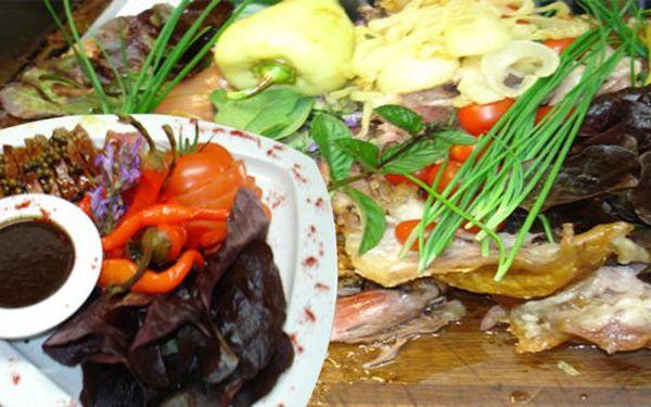 Neomezená degustační konzumace v režii kuchaře pro 2 jen za 499. To vše v exkluzivní restauraci Betlém! Hodujte do plna se slevou 60%!