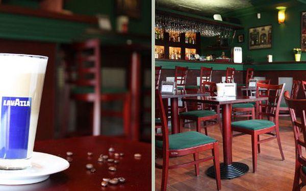Pravé italské Tiramisú a k tomu Cappuccino v Triple Café Baru za 44 Kč. Přijďte si zamlsat a posedět nad šálkem cappuccina v klidném prostředí našeho café baru, jen malý kousíček od Národního muzea.