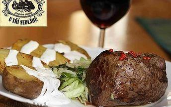 220 Kč za šťavnatý hovězí MEGA steak menu! Steaky kam se podíváš pouze v hostinci U Tří sedláků s 54% slevou!