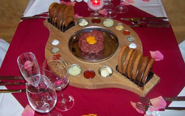 Třídenní gurmánský pobyt plný degustací a skvělého jídla pro 2 osoby v útulném Hotelu Ve Dvoře *** se slevou 53 %!