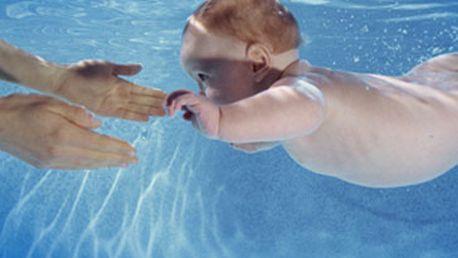 Skvělých 699 Kč za 5 vstupů (5 x 30min) na plavání dětí s instruktorkou od 3 měsíců do 3 let . Teplota vody 31°C, saunička po bazénu vyhřátá na 60 °C, dětský koutek. To vše s 44% slevou!