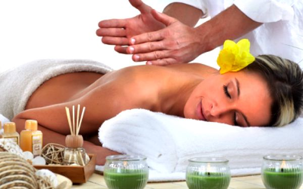 Dopřejte si regenerační klasickou celotělovou švédskou masáž za cenu 290 Kč, při které se jistě uvolníte. Masáž uvolňuje ztuhlé klouby a svaly a příjemně Vás naladí a zbaví stresu. Užijte si ji sami nebo potěště své blízké!