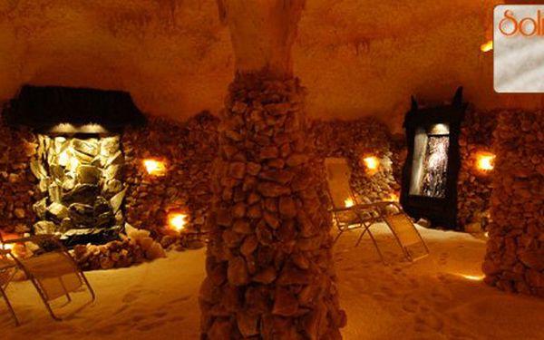 150 Kč za 2 lekce tradiční jógy v solné jeskyni Solana. Relaxace mezi krápníky a solankovými vodopády s 50% slevou.