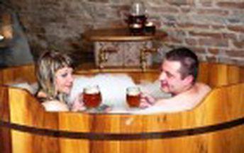 Jen 999 Kč za jedinečnou léčivou a detoxikační proceduru v pivní lázni pro DVA. Nechte se unášet příjemnou atmosférou a vůní piva s 50% primaslevou!