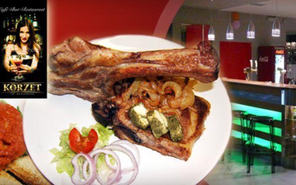 Ve dvou chutná lépe! 2x Vepřová kotleta na rozmarýnu se zeleninovou oblohou a 1x Tatarský biftek z lososa s 64% slevou za skvělých 149 Kč! Dopřejte svým jazýčkům rozmanitost chutí a navštivte jeden z nejhezčích barů v Teplicích! S námi ušetříte 271 Kč!