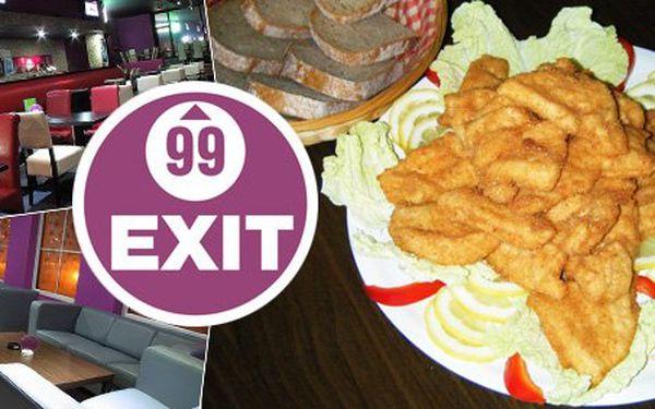 135 Kč za obří mísu řízků dle výběru. Hora dobrého masa až pro TŘI osoby s 54% slevou. Najezte se s přáteli v luxusním baru EXIT 99.