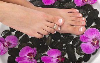 Pedikúra s vodní lázní a 30ti minutovou thajskou masáží chodidel se slevou 52%. Tato kompletní péče o vaše nohy Vám nejen pomůže, ale i báječně uvolní. Dopřejte Vašim nohám luxus a regeneraci, kterou si zaslouží.