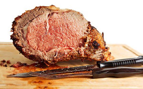 Gurmáni zbystřete! 1kg koleno jen pro Vás ZA ÚŽASNÝCH 75,- ! Včetně voňavého křenu, hořčice, feferonek a čerstvého domácího bochníčku k tomu!