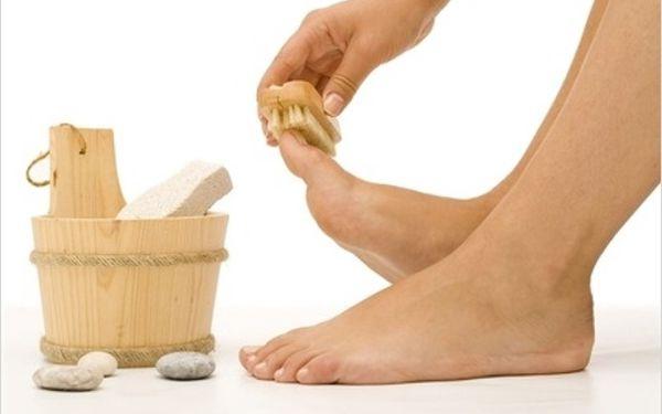 Jen 149 Kč za PEDIKÚRU mokrou metodou s levandulovou lázní, peelingem a MASÁŽÍ nohou. Zkrášlete své nohy na léto! CHOMUTOV.