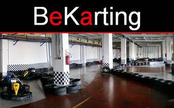 Spoznajte adrenalínovú rýchlosť na okruhu v motokárovej hale BeKarting vďaka 15 minútovej jazde na motokáre len za 5€. Dajte si závody o lepší čas so zľavou 50%.