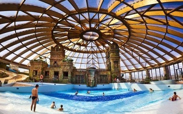 Kouzelná dovolená v BUDAPEŠTI pro 2 osoby! 3 dny jen za 3.875 Kč ve 4* hotelu Ramada. Cena zahrnuje snídaně, neomezenou možností vstupu do orientálních lázní, bazénu a celého wellness areálu + 50% sleva na vstup do jednoho z největších aquaparků v Evropě.