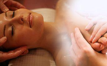 Luxusní masáž nohou, reflexní masáž chodidel spojená s Indickou masáží hlavy a lázní v délce 75 minut.