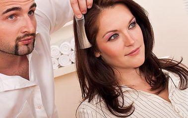 Barvení vlasů a nový střih s 50% slevou ve Studiu V na Jížních Svazích. Navštivte naše profesionální studio, osvěžte tóny vaší barvy vlasů a změňte svůj image novým střihem.