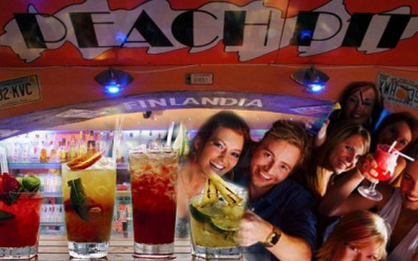 Přijďte do originálního baru ve stylu Beverly Hills 90210 na koktejl! S naším kuponem dostanete 2 koktejly za cenu jednoho, tj. 99 Kč! Vemte přátele do Peach Pitu :-)