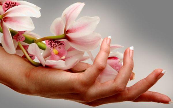 Nechte si upravit nehty na rukou gelovou modeláží za 250 Kč! Vyberete si svoji délku a tvar nehtů, barvu laku, případně zdobení. Krásné ruce se slevou 50%!