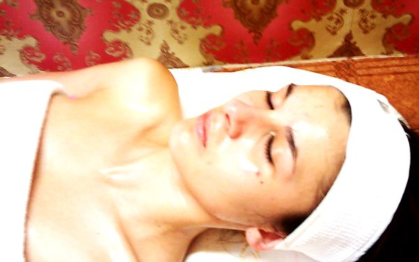 80 Kč za kosmetickou masáž obličeje, krku a dekoltu v hodnotě 160 Kč