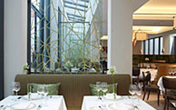 Monastery Restaurant menu pro 2 - Ochutnejte vynikající značkové pokrmy Richarda Fuchse v uznávané restauraci Monastery v hotelu Augustine, které jsou součástí tříchodového menu pro dva (2). Zde se česká kuchyně dostává na zcela novou, velice sofistikovan