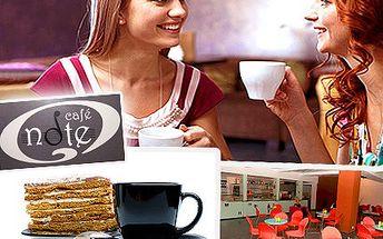 Máte o čem hovořit? Nad kávou to jde nejlíp. Obzvláště nad café latte i s medovníkem a sladkou slevou 51%. Proberte vše nad kávou a nechte se pohladit chutí medovníku.