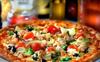 Zajděte si klidně ve dvou na pizzu XXL(45 cm), dle Vašeho výběru za skvělou cenu 99 Kč! Vychutnejte si oblíbenou pochoutku v Pizzerii Klodi a to s neuvěřitelnou 60% slevou!!
