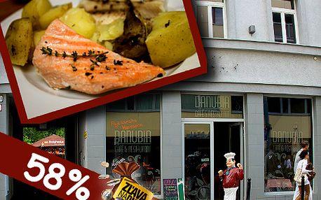 Pochutnajte si na vynikajúcom lososovi v novootvorenej Danubia Café and restaurant len za 5,90 eur...