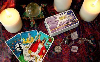 Nakoukněte pomocí tarotových karet za roušku budoucnosti. Zjistěte, co vás čeká, díky umění paní Simony Timingeriu Biggs za skvělou cenu 199 korun!