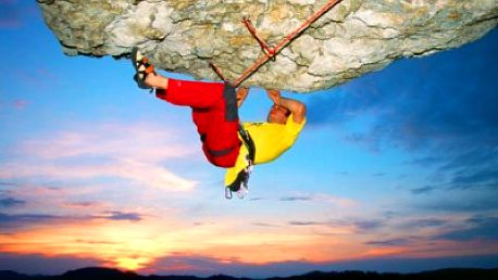 Jen 499 Kč za kurz skalního lezení s profesionály! Naučte se lézt, slaňovat, jistit a vázat se 45% primaslevou!