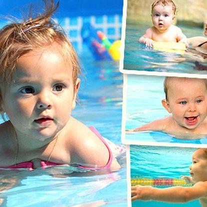 Nechte vyřádit své malé plaváčky mezi korálovými útesy. Lekce plavání pro děti od 6 měsíců do 3 let v Aquapalace Praha se slevou 50 %.