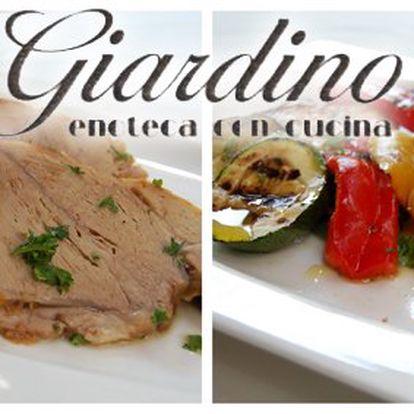 399 Kč za křehké telecí nebo delikátní jehněčí s přílohou dle výběru a dvě sklenky vína PRO DVA. Luxusní večeře či oběd v italské restauraci v původní hodnotě 940 Kč.