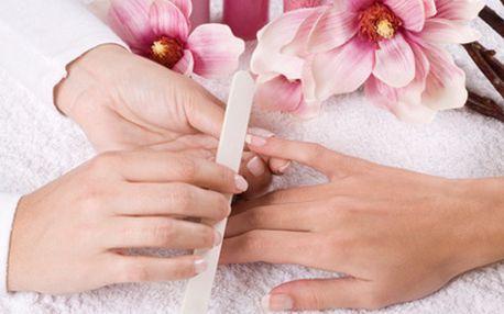 Kupón na 56% slevu na luxusní gelové nehty cena po slevě 220kč